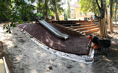 Kuva Ruoriniemen päiväkodin Pihan peruskorjauksesta. Projektin tilaaja oli Lahden kaupunki.