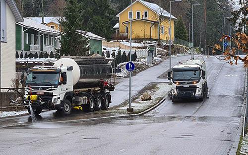 Kuva Vantaalta. Teemme Vantaan Katu- ja viheralueiden talvi- ja kesähoitoa.